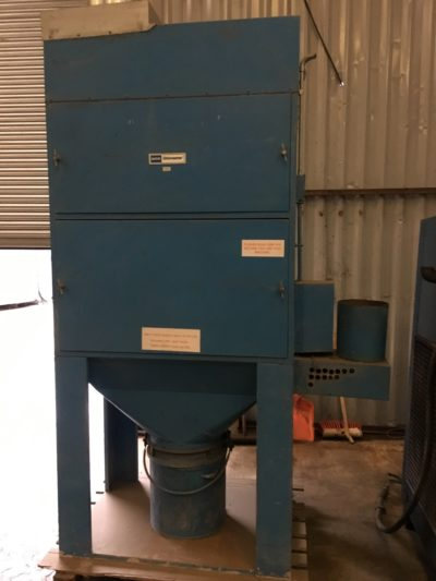 S/H-DXT003 DCE DUST EXTRACTOR UMA 252 G5 3HP S/N184900